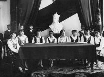 """Korporacijos """"Filiae Lithuaniae"""" iškilmingo posėdžio prezidiumas, 1929 m."""