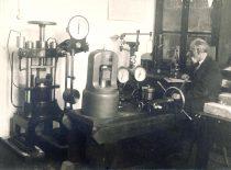 Prof. Pranas Jodelė – Neorganinės technologijos katedros vedėjas, 1927 m.