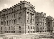 Chamber of the Institute of Physics and Chemistry; Physics and Chemistry Laboratories of the Faculty of Mathematics and Natural Sciences, and Technical Faculty were relocated to his chamber in 1931. (Original is in Vytautas the Great War Museum)
