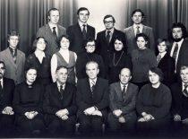 Fizikinės chemijos katedra, 1981 m.Sėdi: (iš kairės) doc. A. Šuliakas, doc. D. Klungevičiūtė, prof. J. Janickis, prof. E. Pacauskas, doc. D. Reingardas, doc. A. Jokužienė, doc. K. Belenavičius. Stovi: studentas laborantas, m. b. Taleišaitė-Ulozienė, m. b. E. Radvilavičiūtė, m. b. I. Ancutienė, lab. M. Lapajienė, lab. M. Valienė, inž. N. Dukštienė, lab. A. Navickas, asist. A. Niaura, inž. A. Abišala, doc. A. Ancuta, doc. D. Mickevičius.