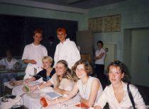 """Cheminės technologijos studentų atstovybės """"Vivat chemija"""" akcija """"Kraujas gelbsti gyvybes"""", 2000 m."""