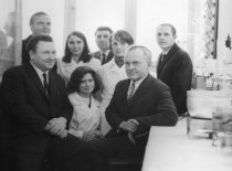 Prof. S. Kutkevičius and prof. J. Degutis with employees of the Department of Organic Chemistry, 1983.