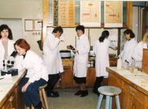 Laboratory works of inorganic chemistry, 1997.