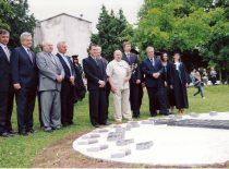 2009 m. Lietuvos vardo tūkstantmečio jubiliejaus proga prie fakulteto buvo atidengtas žmogaus šešėlio saulės laikrodis
