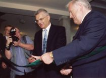 Opening of the Technological Processes Laboratory, 2003. Photograph: Patron of the laboratory, President of AB