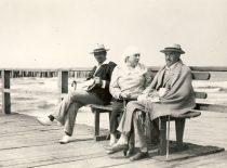 Petras Vileišis with his wife Emilija on the bridge in Palanga, 1926 m. (Original is in KTU Library)
