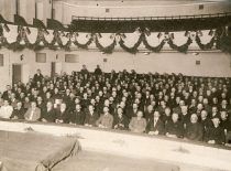 Lithuanian Conference in Vilnius on 18-20 September 1917. The Council of Lithuania elected by the Conference announced the act of the re-establishment of the state of Lithuania on 16 February 1918. Photograph: view of the hall. (Original is in KTU Library)