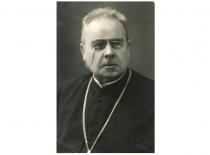 """Kunigas, poetas, prof. Jonas Mačiulis Maironis, pradėjęs spausdinti patriotinius eilėraščius laikraštyje """"Aušra"""" (Originalas – KTU muziejuje)"""