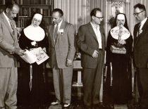 A. Damušis JAV Šv. Pranciškaus lietuvaičių seserų instituto susirinkime Pitsburge, 1956 m. (Iš A. Damušio šeimos archyvo)