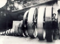 At the locomotive factory in Bezhica, Oriol region, 1907–1940.