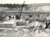 Construction of Kaunas Hydroelectric Power Plant, spring of 1958. Photograph by D. Palukaitis (Original is in KTU Museum).