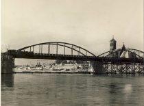 Vytautas the Great Bridge in Kaunas, 4th decade of the 20th century. (Original is in KTU Library).